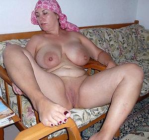 Nude pretty mature feet