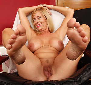 Horny sexy womens feet