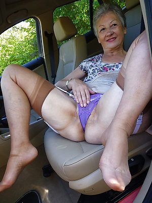 Horny old mature feet pictures