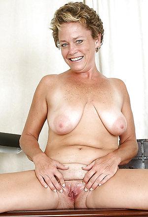 Free pics of ex girlfriend nude