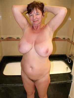 Sweet mature girlfriend amateur