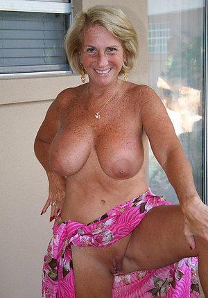 Whorey mature ex girlfriends nude pics