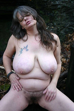 Amateur pics of sexy mature babes with glasses