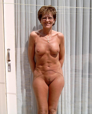 Gorgeous hot matures with glasses sex pics