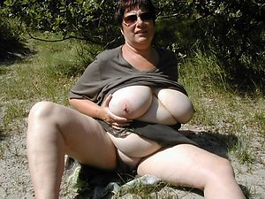 Busty naked mature girls with glasses