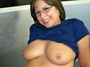 Gorgeous sexy mature ladies with glasses