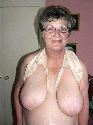 Amateur pics of big booty grannies