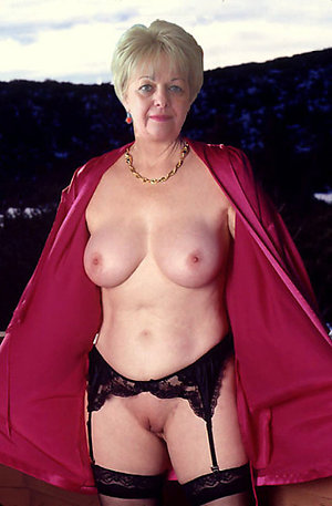Lovely nude grannies private pics