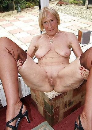Perfect sexy granny nude photos