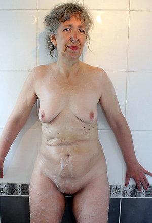 Natural big granny boobs pics