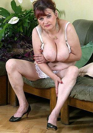 Free horny old nude ladies pics