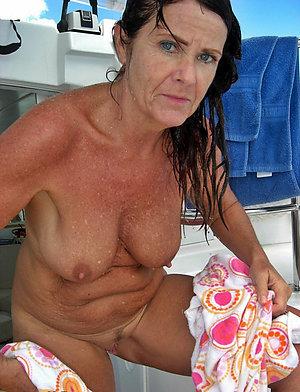 Natural big boob granny sex pics