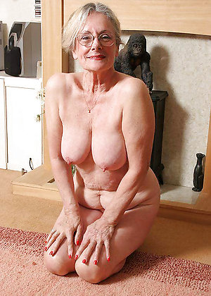 Favorite sexy granny nipples pics