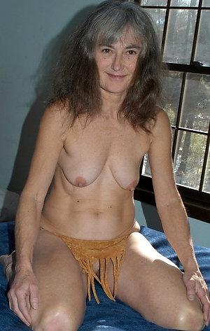 Busty hot mature granny pics