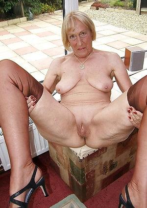 Amazing mature granny nude photos