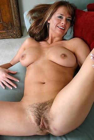 Slutty mature hairy porn pics