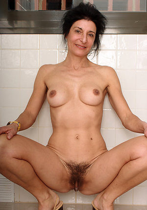 Sweet mature hairy pussies photos