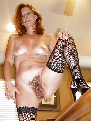 Free hairy pussy ladies pictures