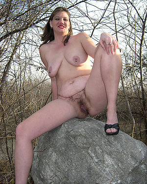 Naughty hairy mature mom pussy