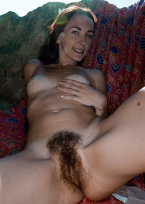 Beautiful natural wife hairy ass