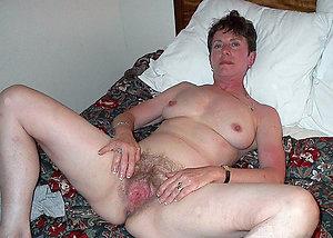 Beautiful natural hairy mature ass