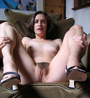 Free mature women in stockings and heels