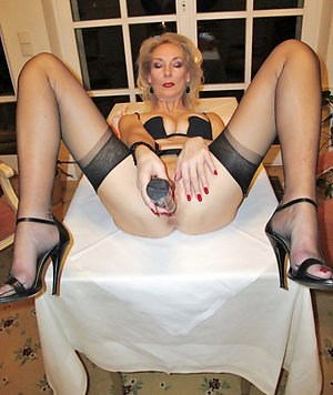 Favorite mature woman in heels pics