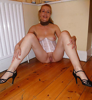 Hotties sexy older moms in heels
