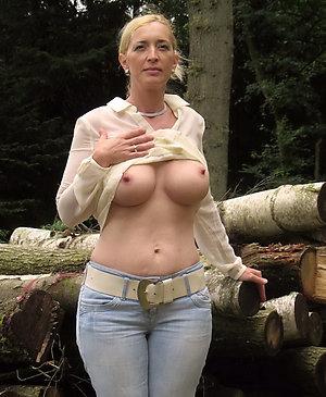 Amazing amateur mature bitches pics