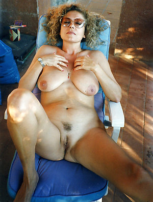Lovely mature naked bitches pics