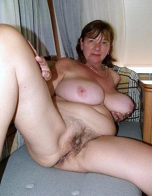 Amateur pics of nude mature bitches