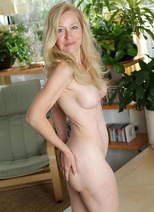 Free xxx horny mature women pics