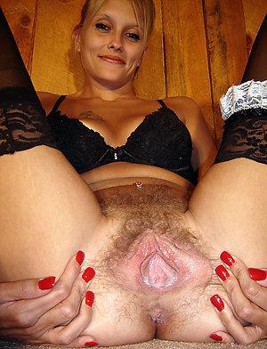 Sweet amateur mature girls nude pics