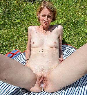 Free xx hot mature girl porn pics