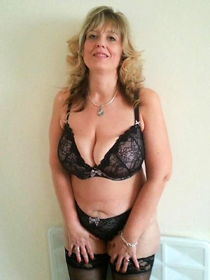 Busty Brenda homemade mature wife