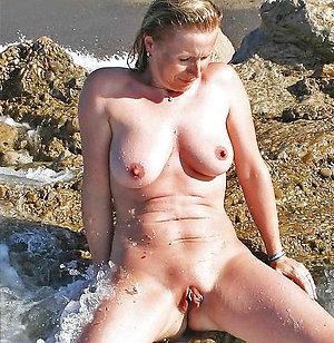 Sexy Veronica mature wife orgasm