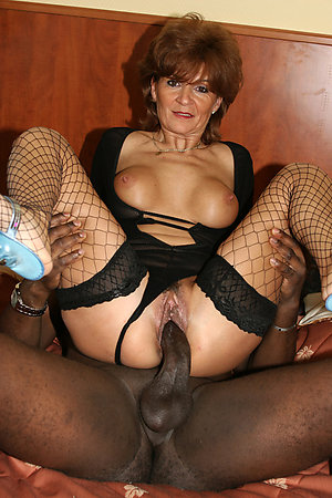 Slutty mature interracial sex pictures