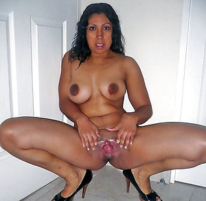 Wonderful Trim mature latina pics
