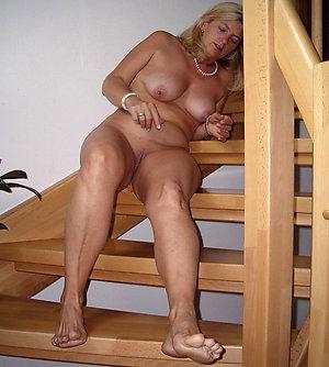 Amateur pics of mature ladies legs