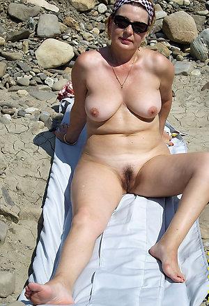 Beautiful nude mature legs sex pics
