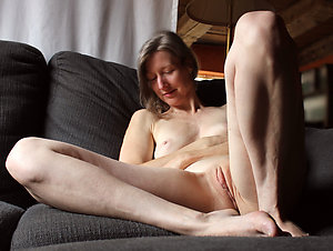 Sweet mature legs spread sex pics