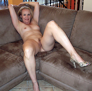 Amateur pics of older women with long legs