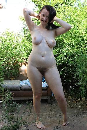 Free mature legs porn gallery