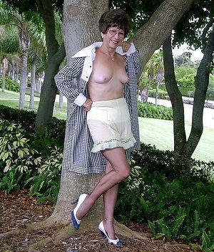 Amateur pics of older wifes hot legs