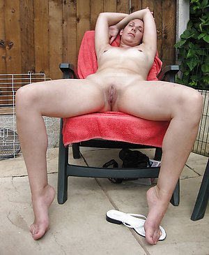 Beautiful natural mature leg sex pics