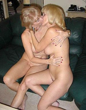 Nude mature lesbian amateur pictures