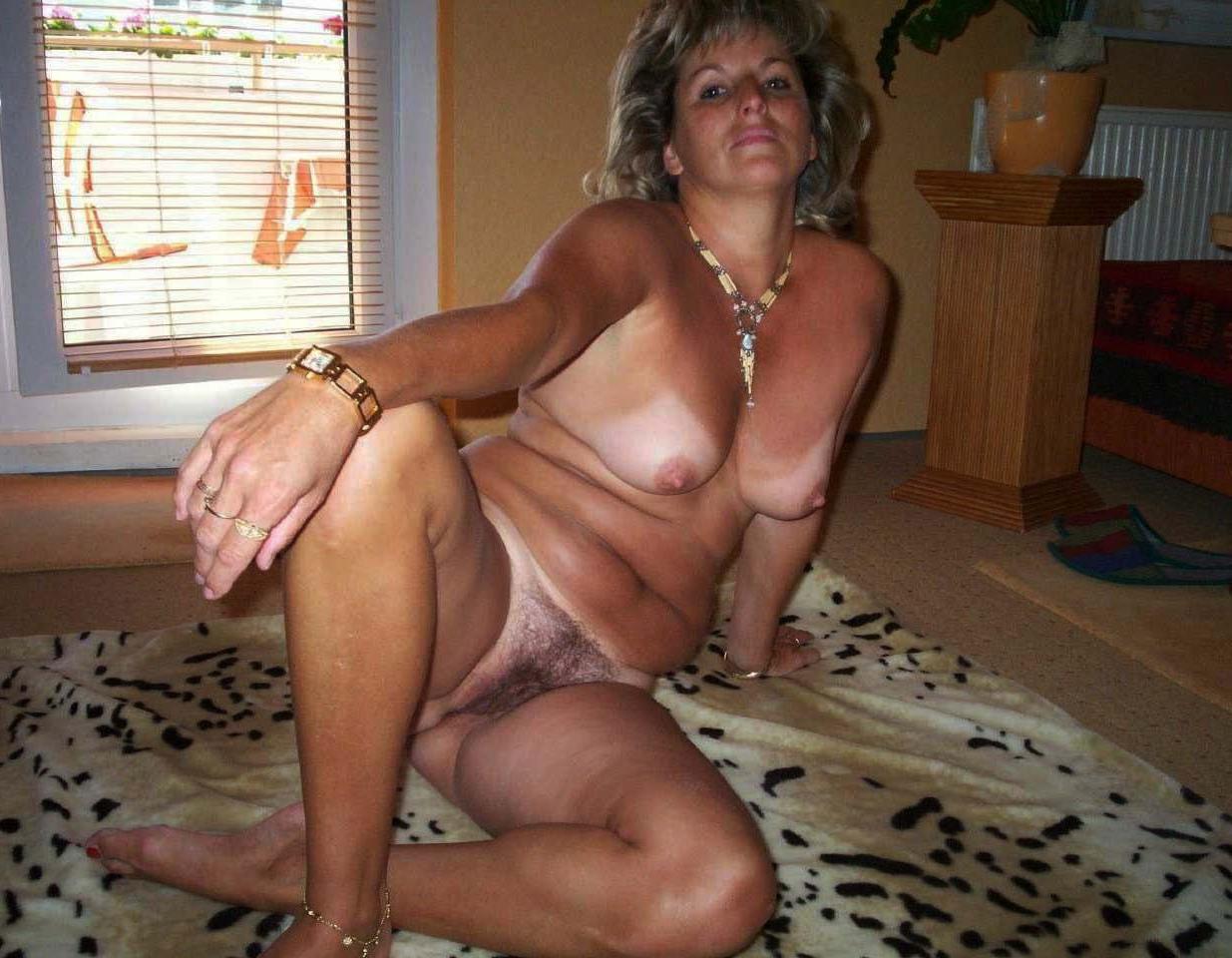 Sheila asian mature