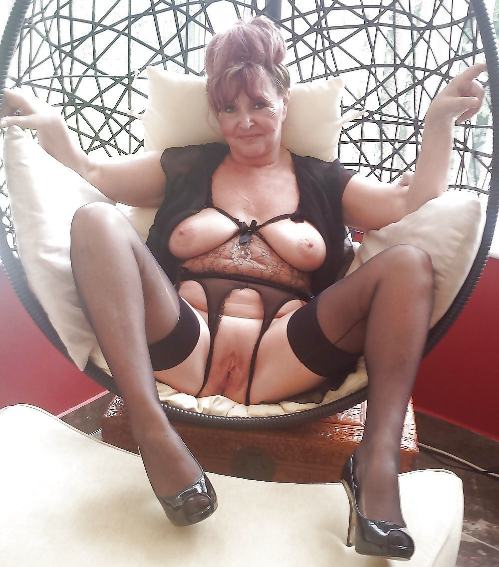 Mature Pawg Wife Riding