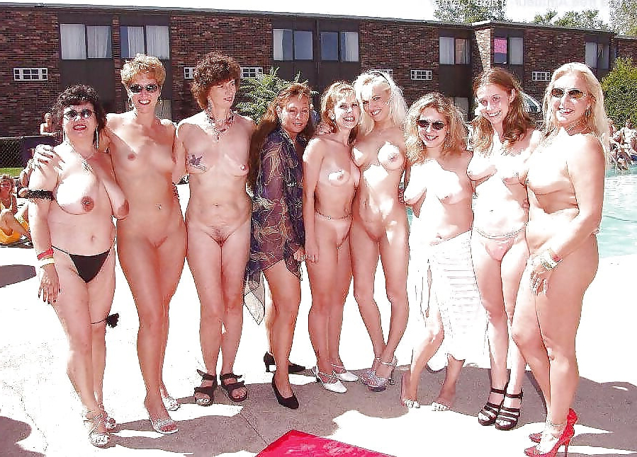 Mature Public Saggy Tits
