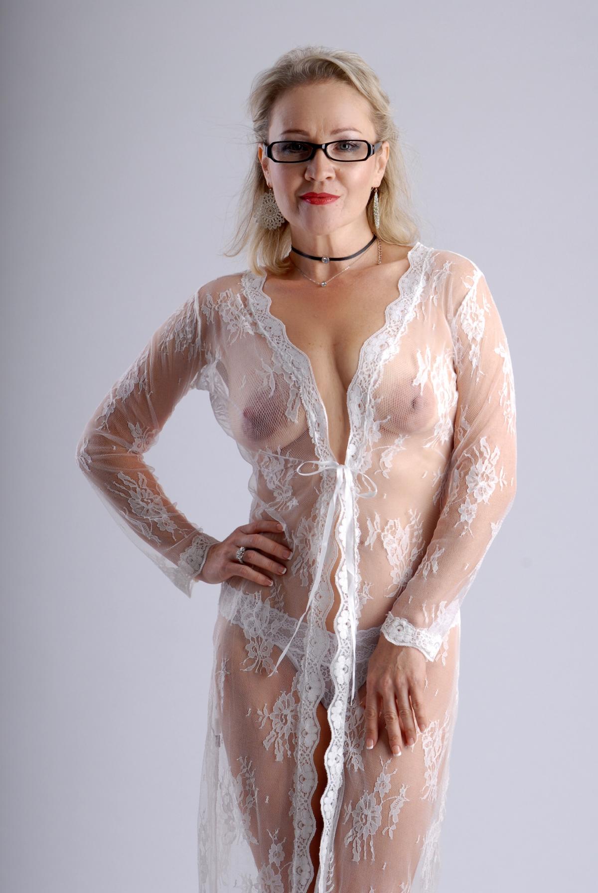 Blonde fucking tranny